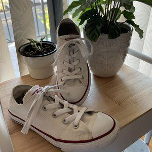WHITE Low Top Converse Sneaker All Star
